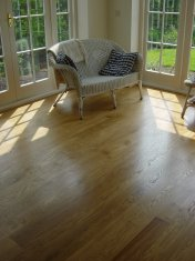 Solid 'selected' English Oak 100mm-200mm wide. Finished with Hardwax Oil - Photo 9 of 10