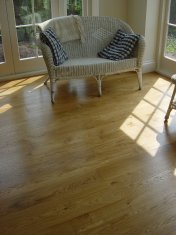 Solid 'selected' English Oak 100mm-200mm wide. Finished with Hardwax Oil - Photo 4 of 10