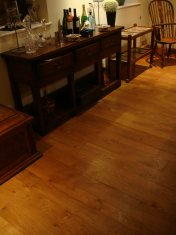 English Character Oak 100mm-200mm wide with Hardwax Oil finish. Photos taken 7 years after laying. - Photo 16 of 19