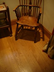 English Character Oak 100mm-200mm wide with Hardwax Oil finish. Photos taken 7 years after laying. - Photo 7 of 19