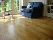 Solid 'selected' English Oak 100mm-200mm wide. Finished with Hardwax Oil - Photo 2 of 10