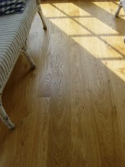 Solid 'selected' English Oak 100mm-200mm wide. Finished with Hardwax Oil - Photo 3 of 10