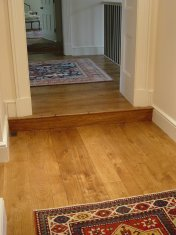 English Character Oak, hand distressed, antique stained. Fitted over underfloor heating. - Photo 6 of 10