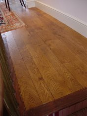 English Character Oak, hand distressed, antique stained. Fitted over underfloor heating. - Photo 8 of 10