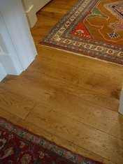 English Character Oak, hand distressed, antique stained. Fitted over underfloor heating. - Photo 9 of 10