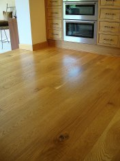 English Character Oak in a kitchen. Pictures taken five years after laying. - Photo 6 of 8