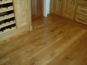 English Character Oak in a kitchen. Pictures taken five years after laying. - Photo 8 of 8