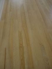Ash plank finished with Bona Traffic lacquer - Photo 4 of 10