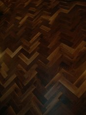 Character Walnut block floor in herringbone pattern. Finished with Hardwax Oil. Photos taken during refurbishment after - Photo 7 of 10
