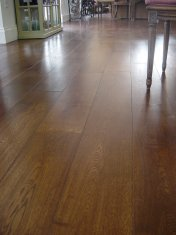Character Oak engineered board over underfloor heating. Stained and finished with Hardwax Oil on site. - Photo 11 of 19
