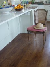 Character Oak engineered board over underfloor heating. Stained and finished with Hardwax Oil on site. - Photo 13 of 19
