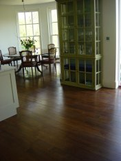 Character Oak engineered board over underfloor heating. Stained and finished with Hardwax Oil on site. - Photo 14 of 19