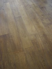 Character Oak engineered board over underfloor heating. Stained and finished with Hardwax Oil on site. - Photo 19 of 19