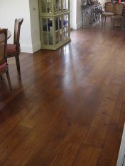 Character Oak engineered board over underfloor heating. Stained and finished with Hardwax Oil on site. - Photo 3 of 19