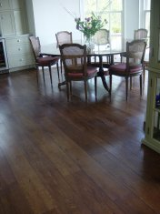 Character Oak engineered board over underfloor heating. Stained and finished with Hardwax Oil on site. - Photo 8 of 19