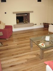 English Elm, 75mm, 100mm & 125mm over underfloor heating finished with hardwax oil. Staircase by Bob Coles - Photo 4 of 10