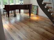 English Elm, 75mm, 100mm & 125mm over underfloor heating finished with hardwax oil. Staircase by Bob Coles - Photo 10 of 10