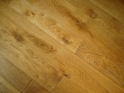 Solid English Character Oak over Underfloor Heating. Mild Antique stain and Hardwax Oil finish. Pictures taken one year - Photo 18 of 18
