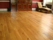 Solid English Character Oak over Underfloor Heating. Mild Antique stain and Hardwax Oil finish. Pictures taken one year - Photo 8 of 18