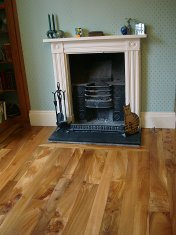 English Elm in a Bristol town house. Pictures taken five years after floor laid. Repair works to joists were made before - Photo 13 of 15